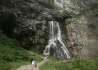 13-waterfall-geg-36