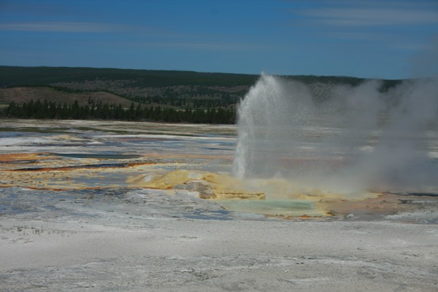 68-yellowstone-geyser-basin-24