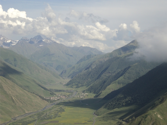 07-Kazbegi-trekking-105