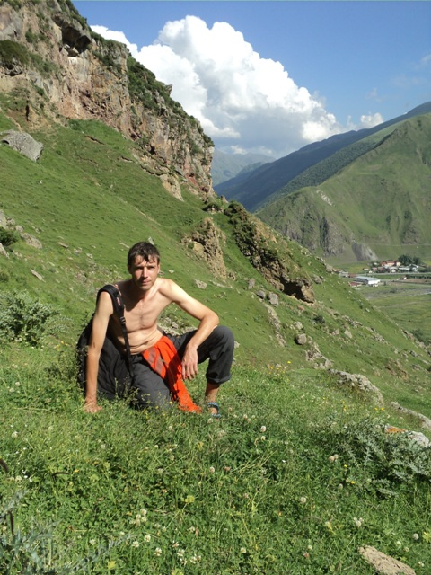 07-Kazbegi-trekking-78