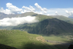 07-Kazbegi-trekking-107