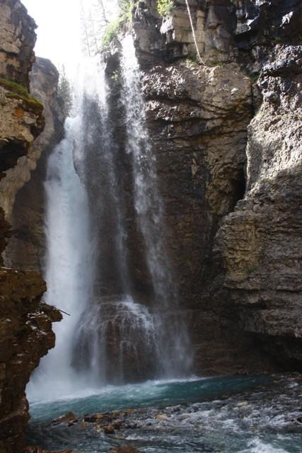 12-banff-area-johnson-canyon-28