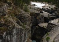 22-icefield-mistaya-canyon-5