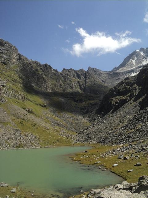 11-lake-trekking-15