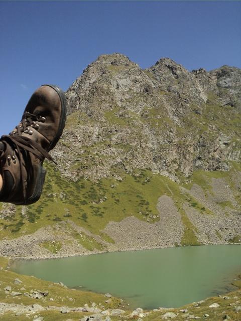 11-lake-trekking-18