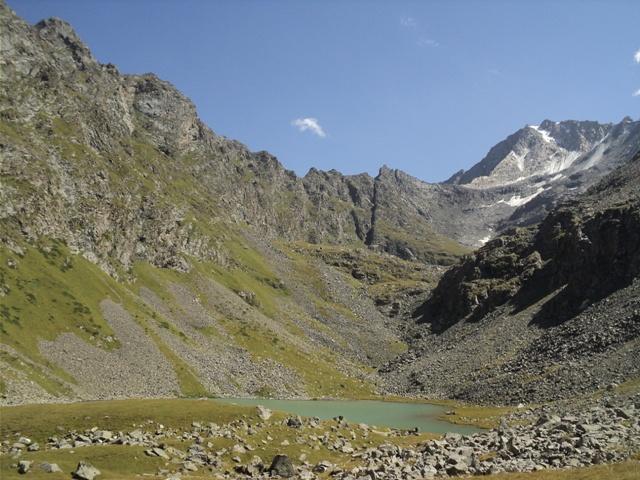 11-lake-trekking-19