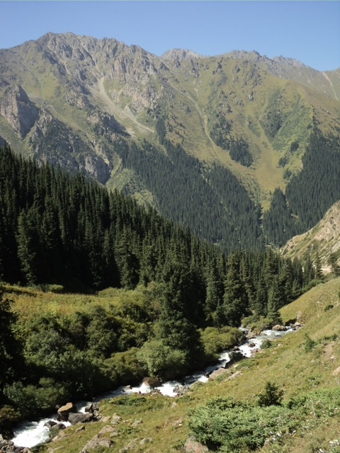 11-lake-trekking-48