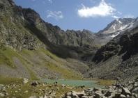 11-lake-trekking-14