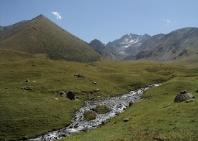 11-lake-trekking-5