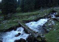 11-lake-trekking