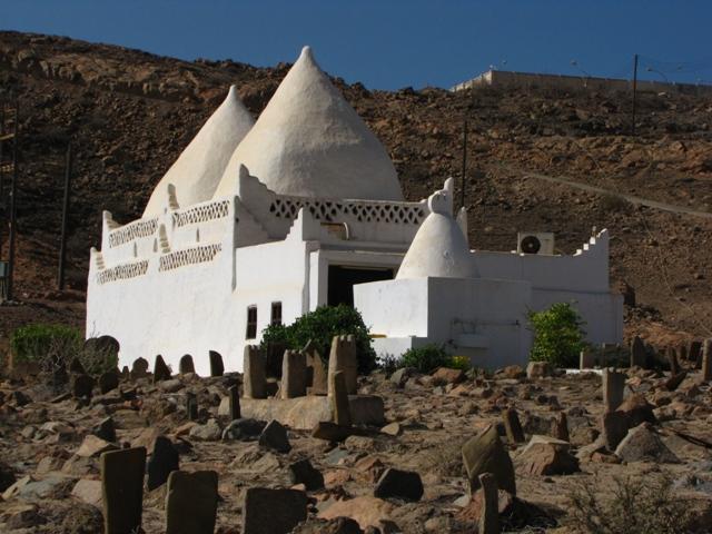 21_bin_ali_tomb-85